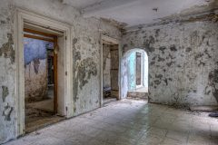 Loppies-Abandoned_Curacao-2