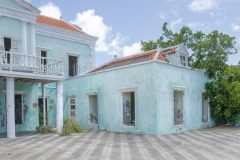 Loppies-Abandoned_Curacao-3