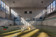 Loppies-Piscine_Crachoir-2