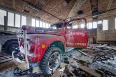 Loppies-Ford_Garage-1
