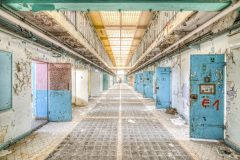 Loppies-Prison_15H-18
