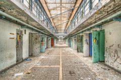Loppies-Prison_15H-7