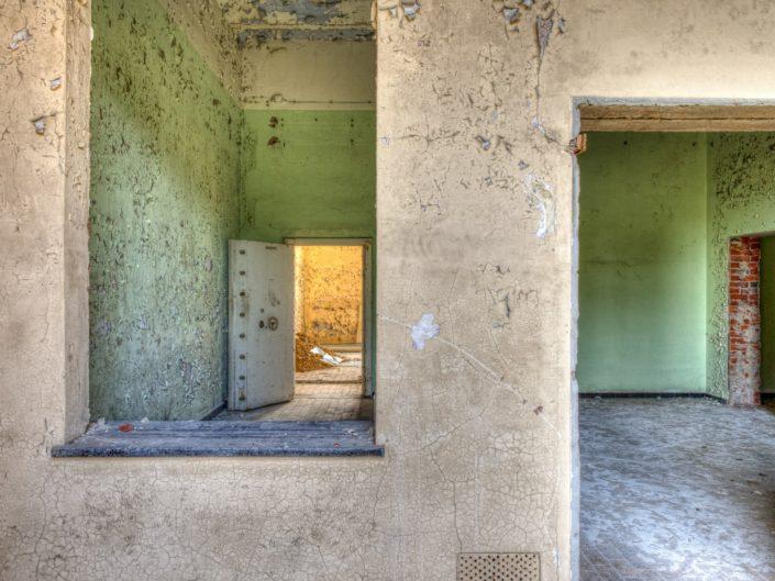 Prison Eleven (BE)