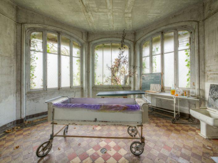 Sanatorium dans la Foret (FR)